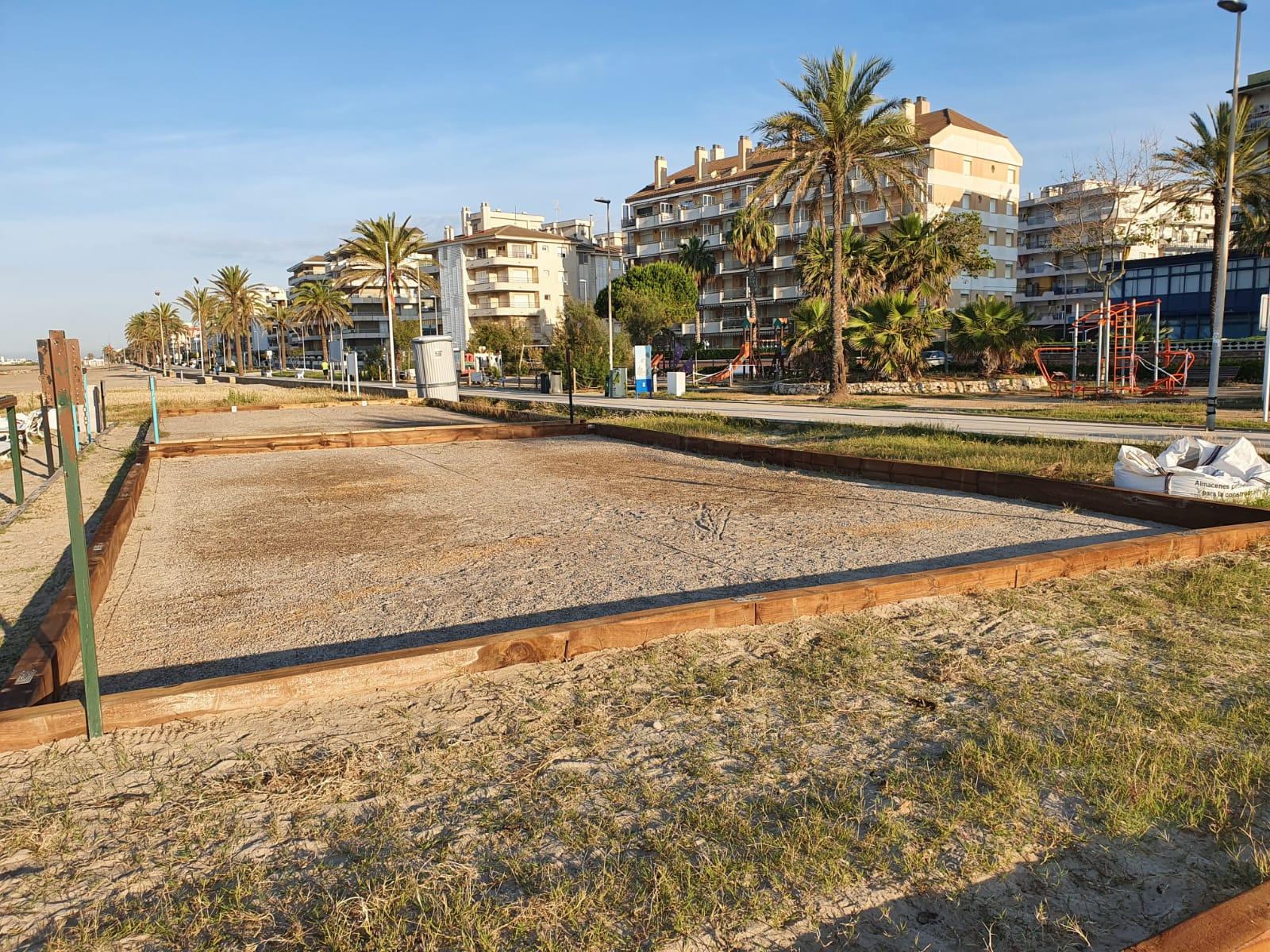 Enllestida la reparació de les pistes de petanca platja després del pas del temporal Glòria