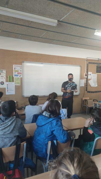 Read more about the article Activitat informativa sobre els serveis juvenils a l'alumnat de 6è de les escoles del municipi