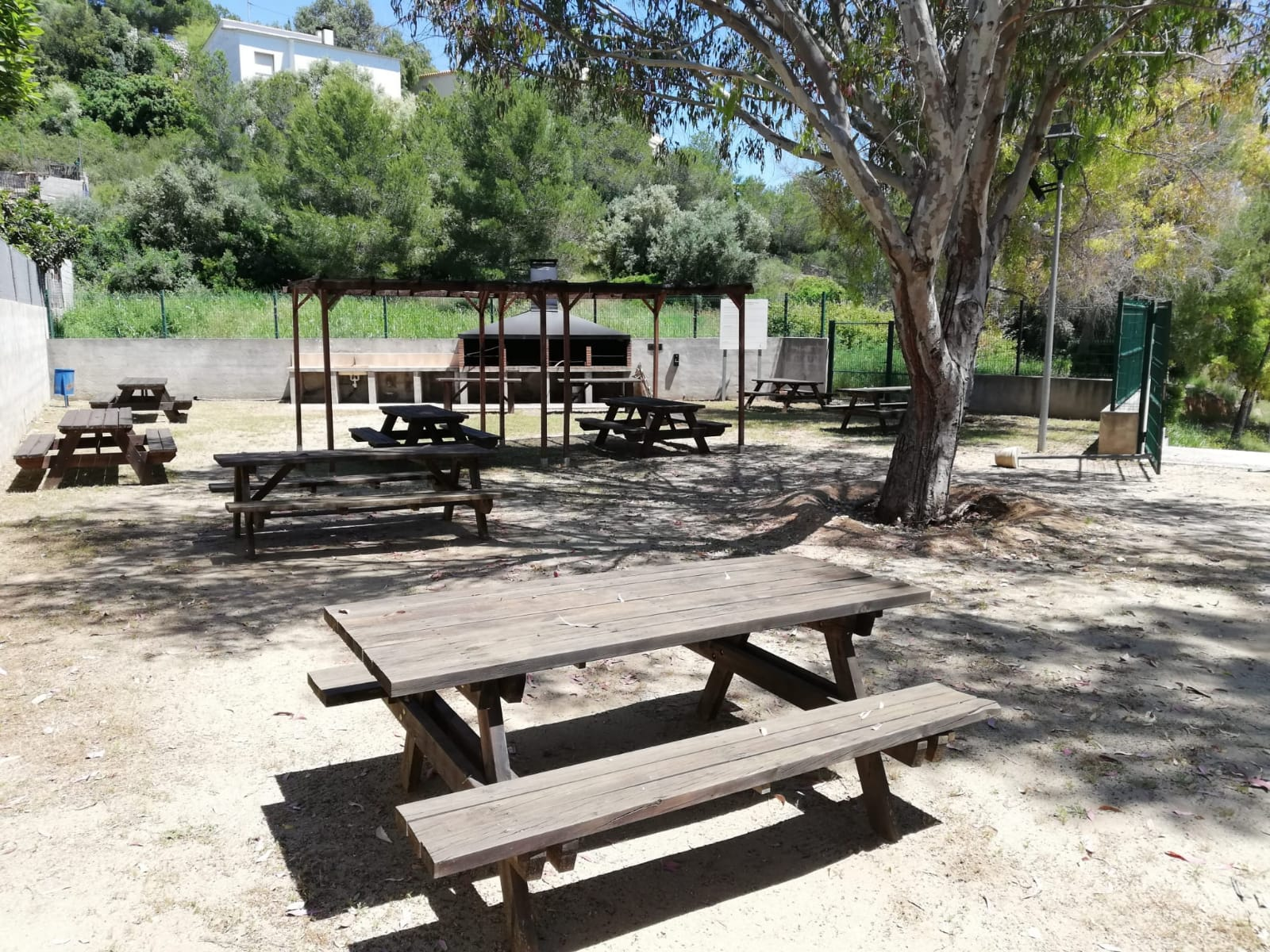 Read more about the article Es reobre la zona exterior i el Bar del Centre Cívic Els Jardins