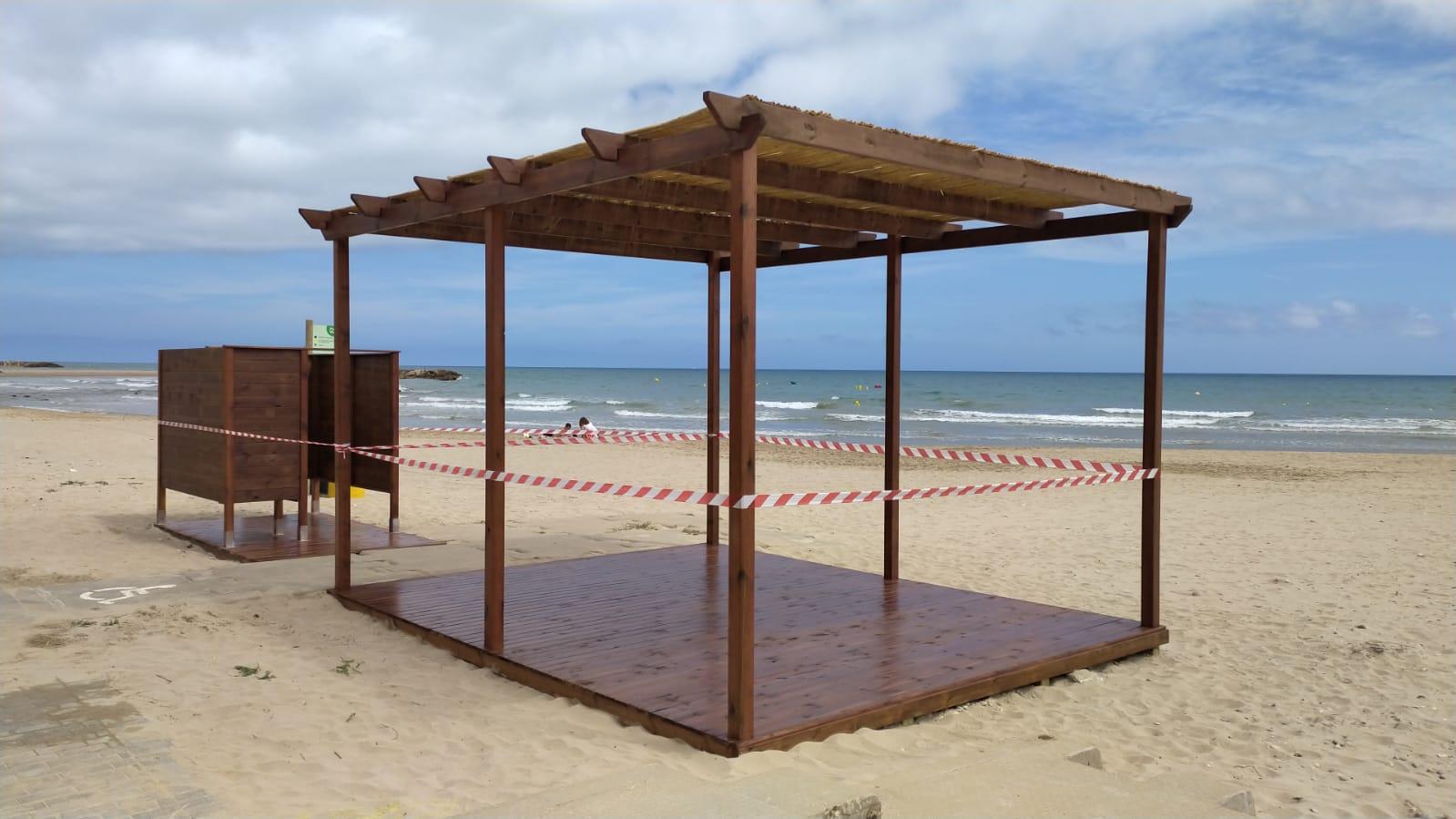 Read more about the article La platja tindrà noves zones d'ombra